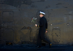 HM GENERAL NEWS: Todd Spencer, Pilot---LTJG William K. Reade exits the The Los Angeles-class attack submarine Boise after it returned to the Naval Station Norfolk from a seven-month deployment.